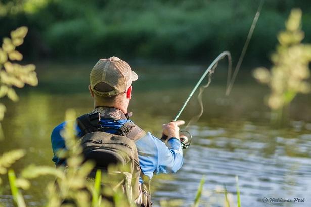 w wędkarstwie wędkarz pstrąg rzeka river fishing