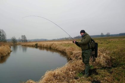 jak łowić pstrągi ?